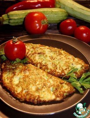 """Чебуреки"""" из кабачков"""": Кабачок — 500 г Лук репчатый — 1 шт Укроп — 2 ст. л. Молоко — 350 мл Яйцо куриное — 2 шт Соль (по вкусу) Перец черный (молотый по вкусу) Мука (приблизительно,тесто должно быть чуть гуще,чем на блины) — 250 г Фарш мясной (у меня из вареной свинины+жареный лук) Масло растительное — 70 мл"""