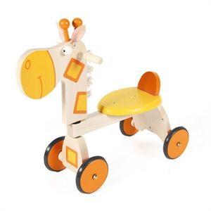 Wooden ride on toys: Giraffe ride on. Con la fantasia è possibile cavalcare una giraffa  e divertirsi a tirargli le orecchie! Il quadriciclo scooter giraffa in legno è acquistabile su http://www.giochiecologici.it/p/867/triciclo-giraffa Adatta a bambini dai 12/15 mesi in su