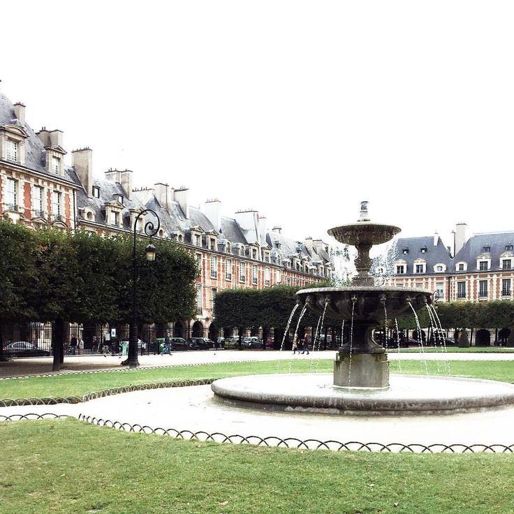 Place de Vosges, photo by @parisinfourmonths