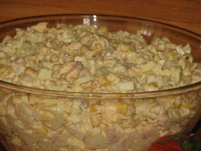 Sałatka z wędzonym kurczakiem i żółtym serem - zdjęcie 3