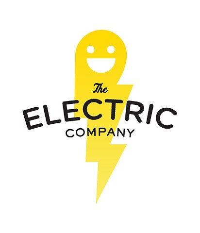 Este logo cumple con la función connotativa, ya que la imagen gráfica esta dando a representar a la marca, en este caso un servicio de electricidad y los colores juegan otro papel en el logo.