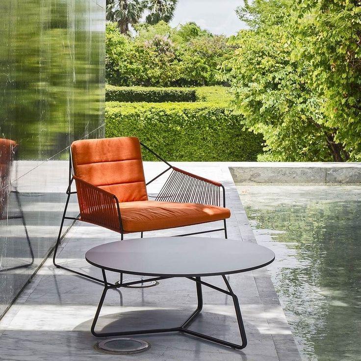 Die Oasiq Sandur Edelstahl Seil Serie überzeugt durch ihr klares und intelligentes Design.  #gartenstuhl #gartentisch #gartenmöbel #terrasse #terrassenmöbel #sommer #balkonmöbel #draussen #garden #summer #chair #table