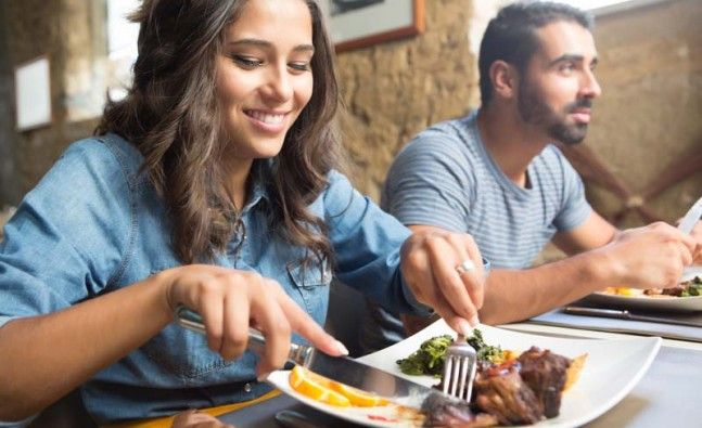 Eating out? 5 Best restaurant meal hacks for WEIGHT LOSS
