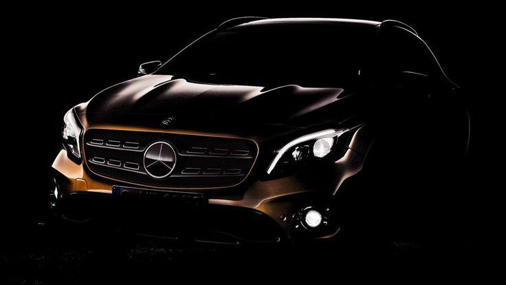 Et une première (presque) mondiale pour Mercedes, une! La marque allemande expose en effet pour la première fois son GLA dans sa...