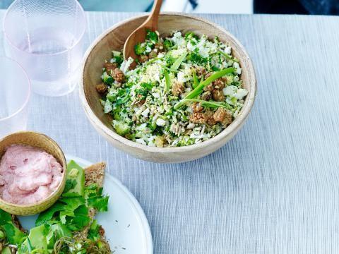 Crunchy salade met broccoli en bloemkool