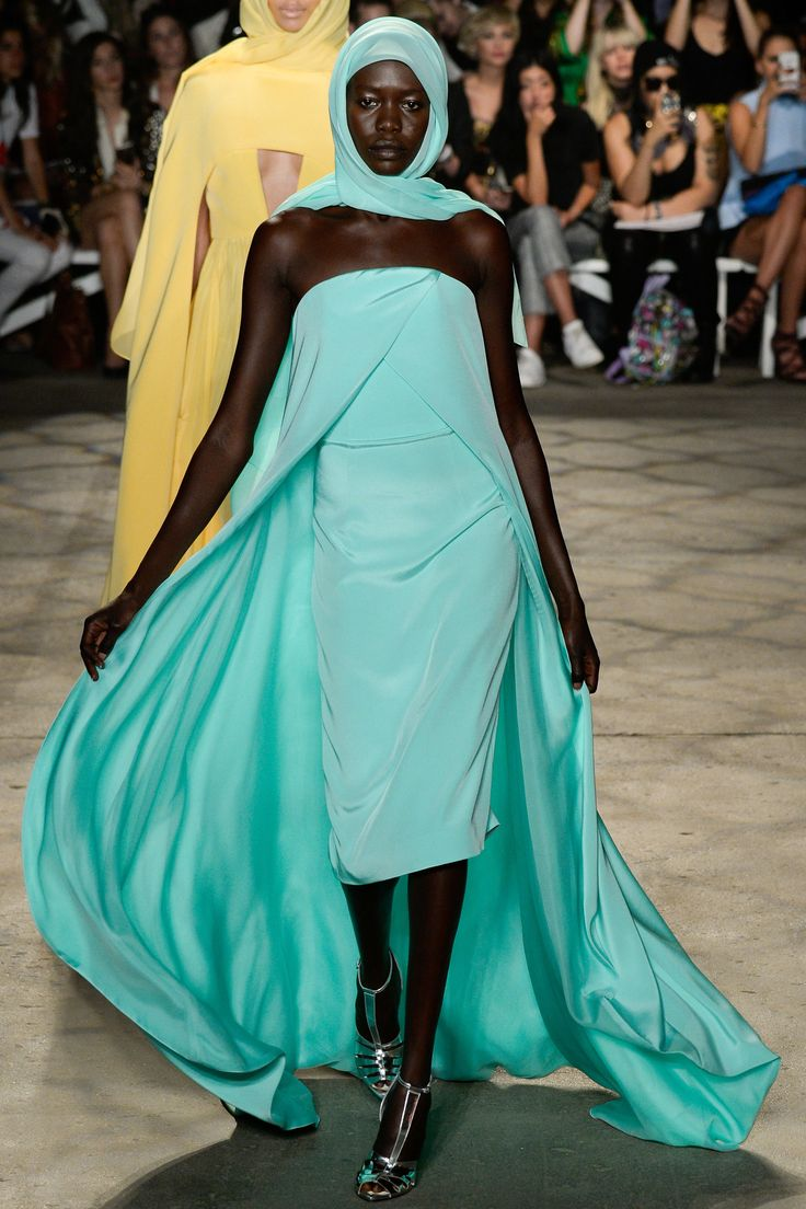 Christian Siriano Spring 2016 Ready-to-Wear Fashion Show