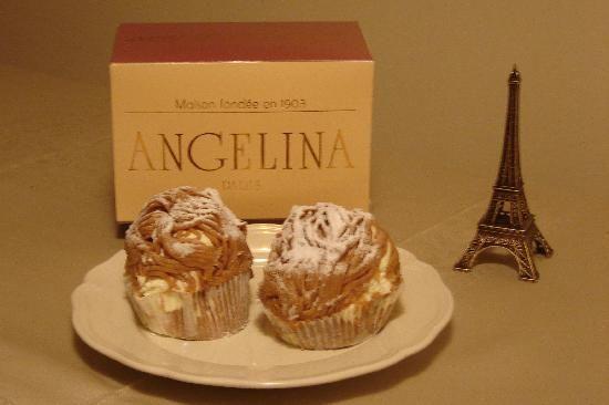 アンジェリーナ パリ本店 モンブラン スイーツはテイクアウト可。ダージリンティーを2箱 マロンクリームのペーストがお土産に人気