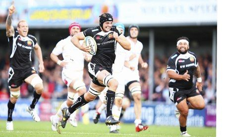 Exeter Chiefs captain Dean Mumm breaks clear to score a try against Worcester Warriors at Sandy Park. Photograph: Bryn Lennon/Getty Images