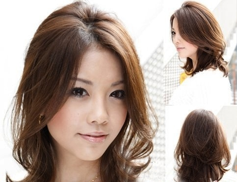 Medium length wavy hair
