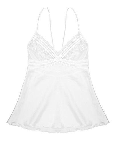 Opções diferentes de lingerie, como o pijama de renda e seda Cala, por 89€