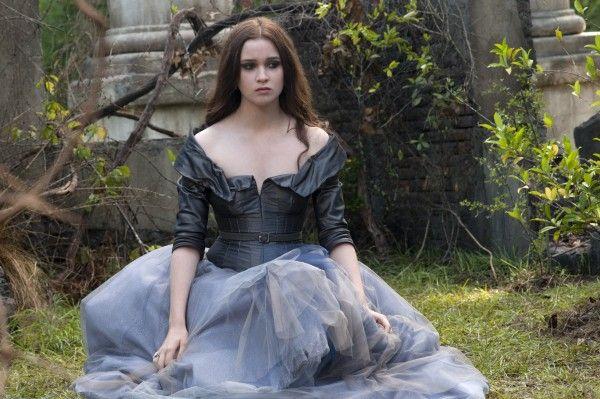 Alice Englert as Lena Duchannes in the film 'Beautiful Creatures' (2013)