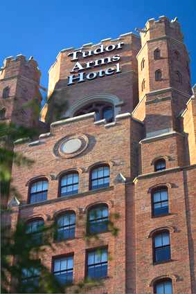 ----     Stayed here in July of 2013   ------<3 DoubleTree by Hilton - The Tudor Arms Hotel in Cleveland Ohio <3