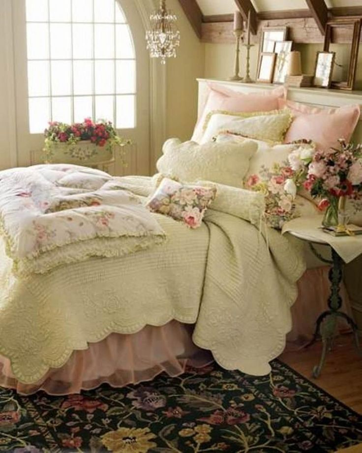 Shabby Chic Bedroom Decorating Ideas for Women 1