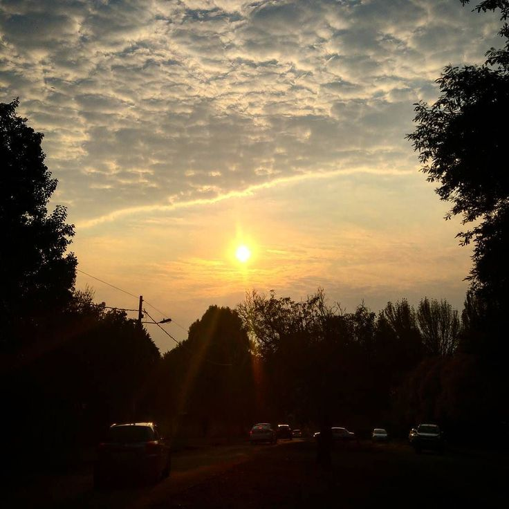 Stunning sky this morning. #morningsun #schoolrun #kznskies #prettyskies #wintermornings #howick #mobilephoto #mobilephotography #captureit #kzn #beautifulview