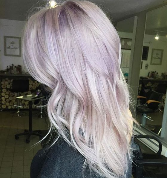 loving this lavender/lilac toned hair!