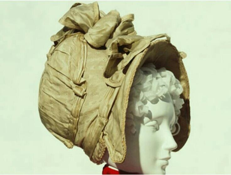 Silk Bonnet c.1810. Kyoto Costume Institute