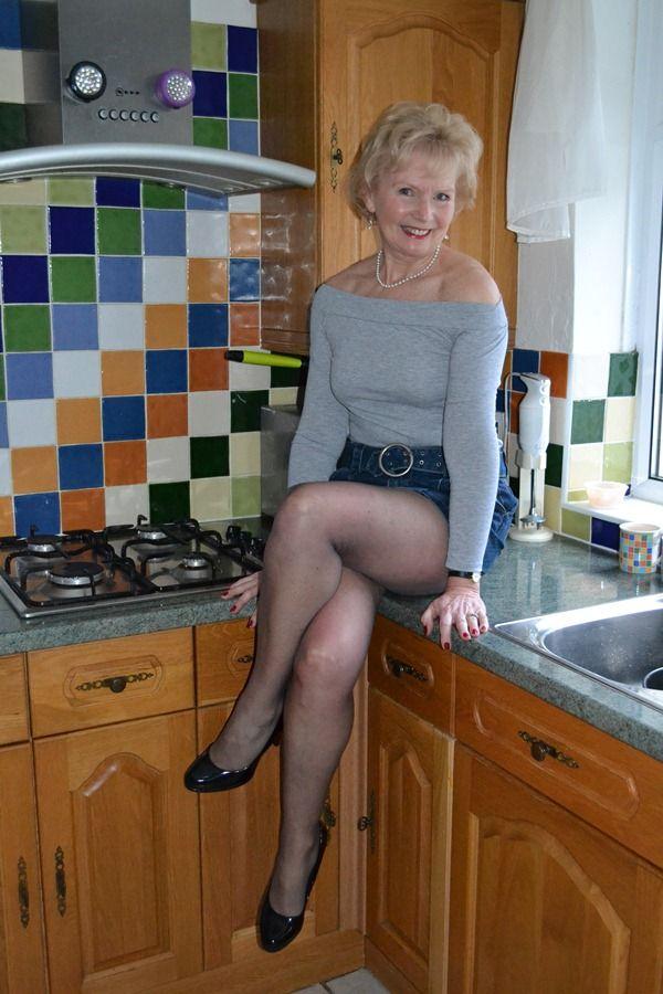 Mom incredible hot mature blonde has multiple orgasms - 1 1