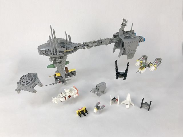 Star Wars fans will enjoy John Klapheke's small fleet of microscale spacecraft (plus an AT-AT walker) from the original trilogy and The Force Awakens. Each vehicle is instantly recognizable through clever part usage and color blocking, an impressivefeat considering not only that scale limits the part count, but also that John's models are largely unique …