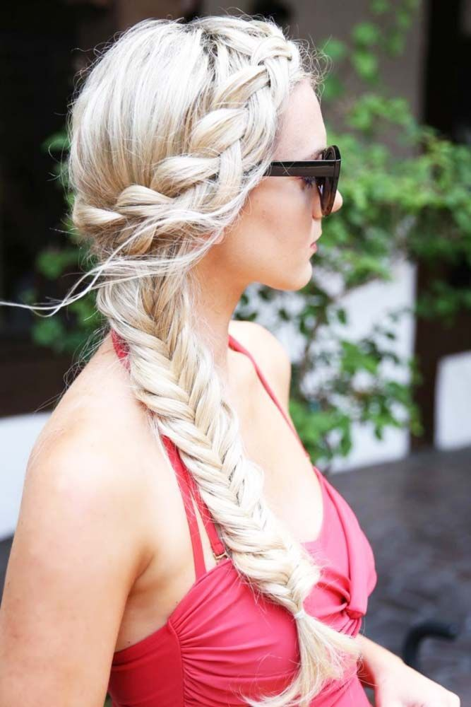 Our ideas of summer hairstyles will save you from hot weather, humidity, and frizz. We have styling options for long hair and medium hair.