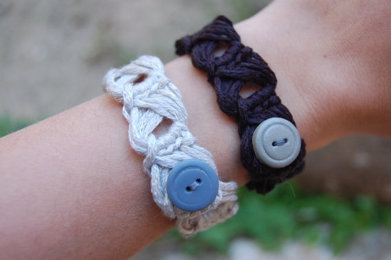 Crochet Bracelet one row choose your colour / by canijamakes, €3.00