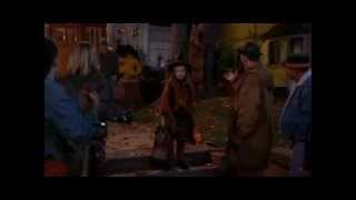 Hocus Pocus definately puts you in the Halloween mood :)