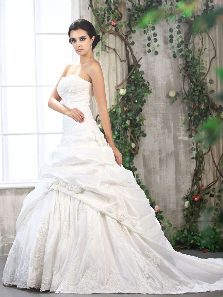 57 best Wedding Dress images on Pinterest | Hochzeitskleider, Strand ...