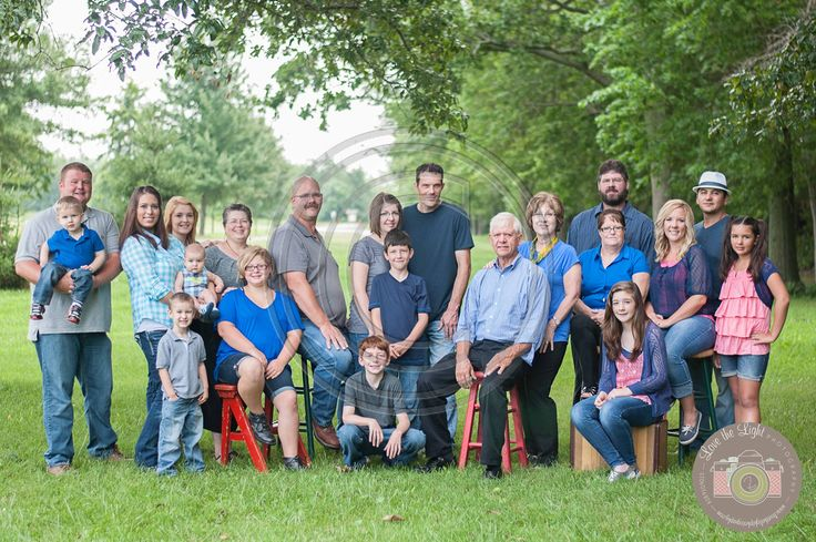 Large Group Family Picture, 21 people  Hawley Family | Glen Carbon, Illinois Family Photographer | Love the Light Photography