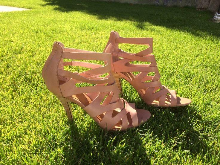 Mein Sandaletten, Größe 41, nude-rosè von 3Suisses! Größe 41 für 21,00 €. Sieh´s dir an: http://www.kleiderkreisel.de/damenschuhe/sandalen/151278475-sandaletten-grosse-41-nude-rose.