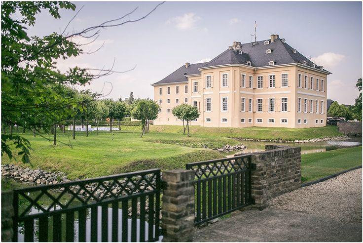 Trauung im Freien, Schloss Miel, Hochzeitsfeier, Foto: Violeta Pelivan