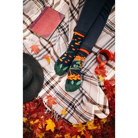 skarpetki w jarzębinę Many Mornings Rowan Berries socks oddsocks - polscy projektanci / polish designers - made in poland - elska.pl