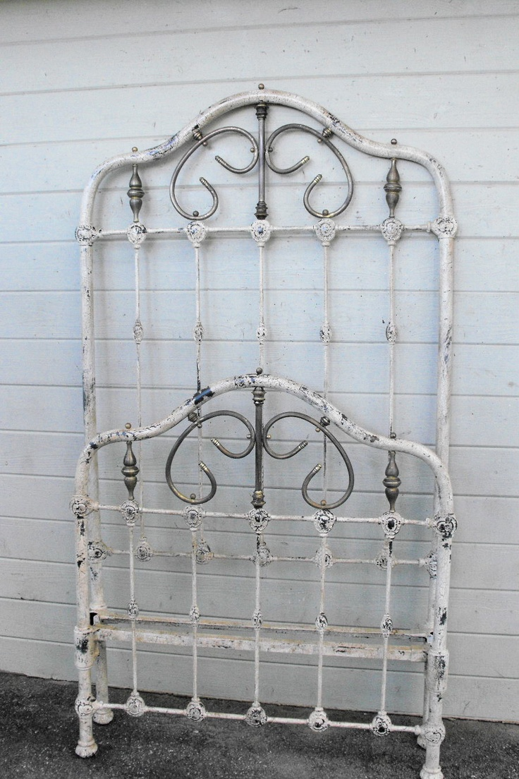 Most twin size iron beds of the 1800 39 s were considered to for What is considered antique