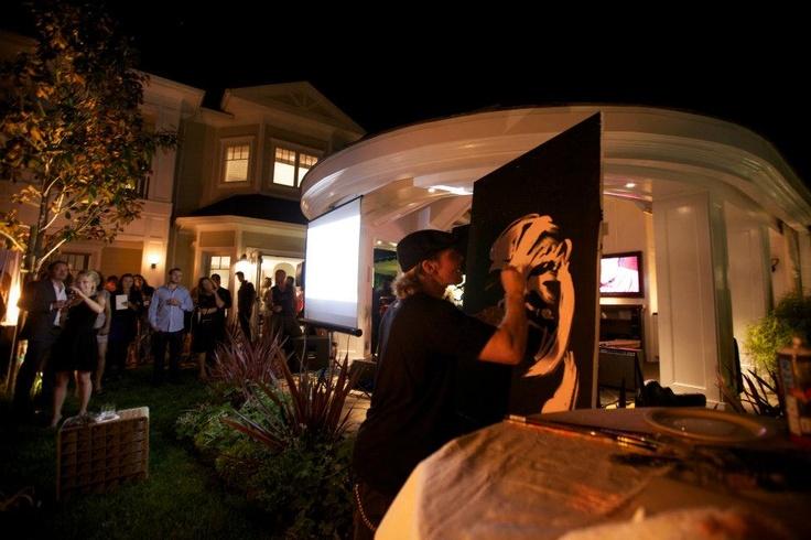 Erik Wahl in action!  #marilynmonroe  #p!nk  #erikwahl  #artist  #lindasvoice  #charity