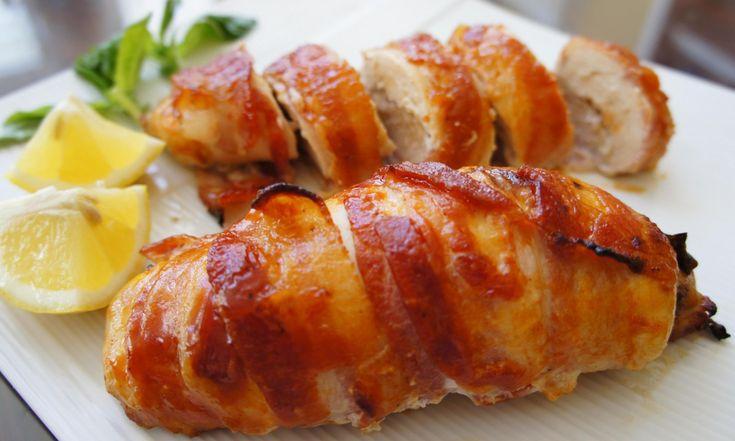 Kipfilet Gevuld met Geitenkaas is eenvoudig maar lekker! Het zorgt voor een beetje variatie in de keuken als het om kip gaat. Veel kookplezier!