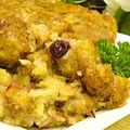 Thanksgiving Side Dish Recipes: The turkey is the star of the show, but what about the rest of the side dishes? Stuffing can range from old-time sage bread stuffing to cornbread or rice, but how much do you need for that bird? You may like your gravy with or without giblets. Mashed potatoes can be simple or loaded with goodies like garlic, butter, sour cream, chives or all of the above. Check out these recipes and helpful information on all the traditional Thanksgiving side dishes.