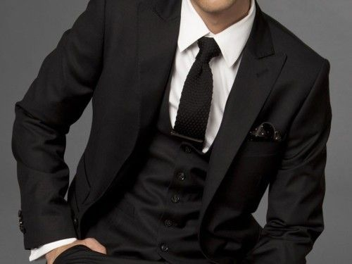 Black / Handkerchief / Tie: Black Ties, Knits Ties, Ties Clip, Men Fashion, Guys In Suits, Pockets Squares, Three Pieces Suits, Groomsmen Suits, All Black Suits