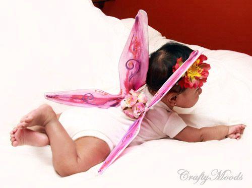 DIY fairy wings...Super easy. I cannot wait to try this.Diy Butterflies, Crafty Mood, Fairies Wings, Diy Halloween Costumes, Butterflies Wings, Baby Girls, Butterfly Wings, Crafts, Fairy Wings
