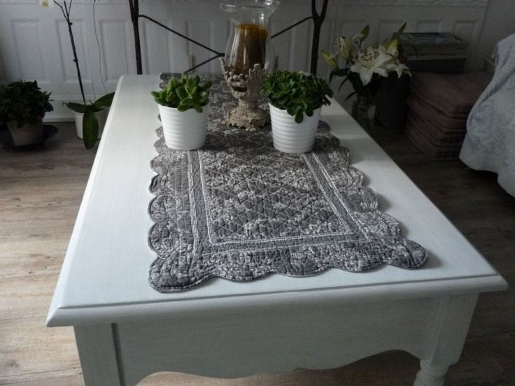 chemin de table boutis toile de jouy chemin de table en boutis 100 coton r versible avec un. Black Bedroom Furniture Sets. Home Design Ideas