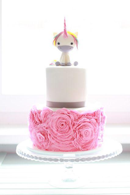 Feines Handwerk: Toertchen  Einhorn Ruffle cake