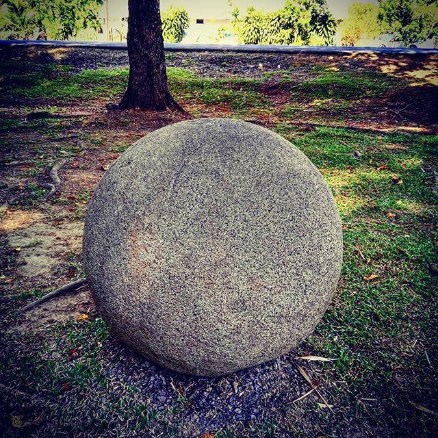 コスタリカのオーパーツ!石の真球。 ユネスコの世界遺産にも登録された謎の石球です。#コスタリカ旅行 #世界遺産 #オーパーツ #エコツアー #旅行 #謎 #バケーション #不思議 #HISコスタリカ #プーラビーダ旅行 costa_rica_his 23