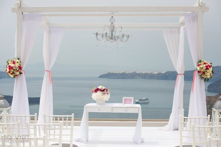 Lisa and Kieran's stunning Santorini Gem wedding by The Bridal Consultant