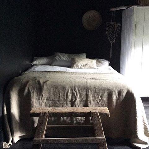 Pure #linen love here in Sams room at @mrandmrscharlie's house