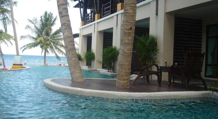 ZAR 742 Seashell Resort Koh Tao offers a tropical getaway directly along Sairee Beach.