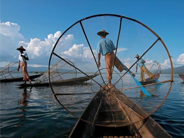 fishermen-myanmar_National_Geographic.jpg (600×450)