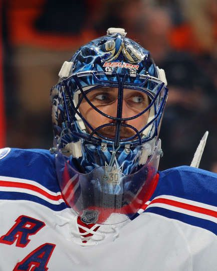 PHILADELPHIA, PA - JANUARY 04: Henrik Lundqvist #30 of the New York Rangers takes a break during the second period against the Philadelphia Flyers at the Wells Fargo Center on January 4, 2017 in Philadelphia, Pennsylvania. (Photo by Bruce Bennett/Getty Images)