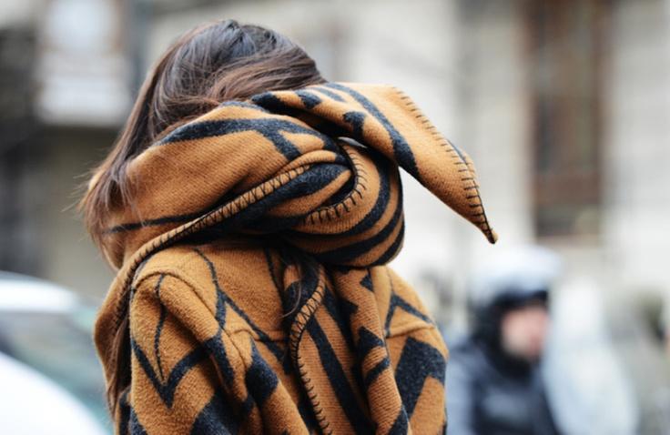 louis-vuitton-blanket-scarf-milan-fashion-week-street-style-2013
