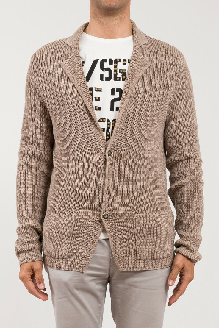 CARDIGAN GRAN SASSO  Spettacolare cardigan in cotone Gran Sasso da sfruttare in diverse occasioni, 2 bottoni, due tasche davanti. - See more at: http://www.vienvioutlet.it/index.php/uomo/cardigan-gran-sasso.html#sthash.L3rkYQId.dpuf