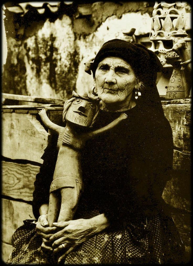 Minha tia-avó com seu cristo