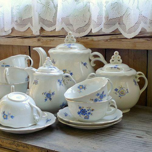 Za první republiky ... čajová porcelánová souprava