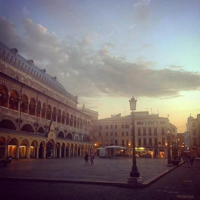Piazza frutta, Padova.