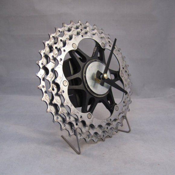 Relógio feito com catraca de bicicleta